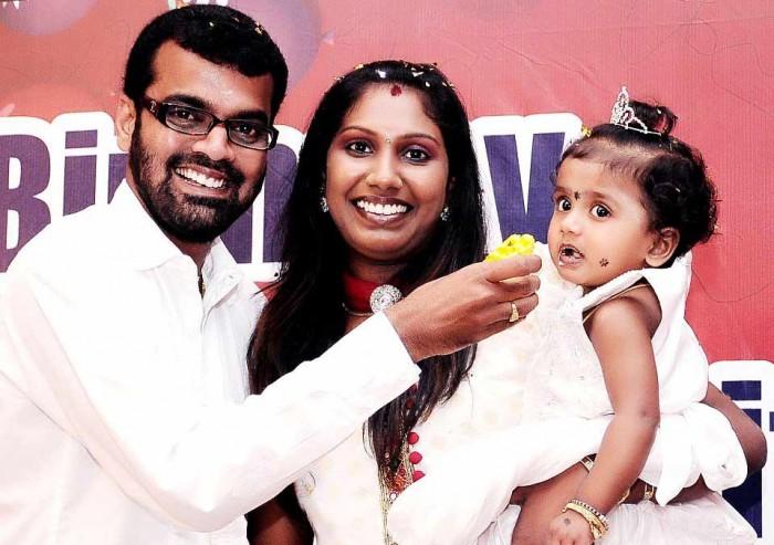 Thadi Balaji - wife Nathiya