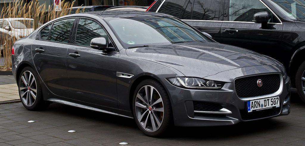 Jaguar_XE