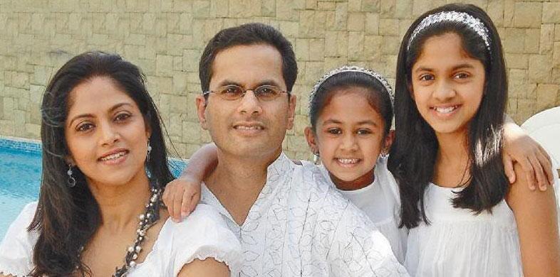 nadhiya-family