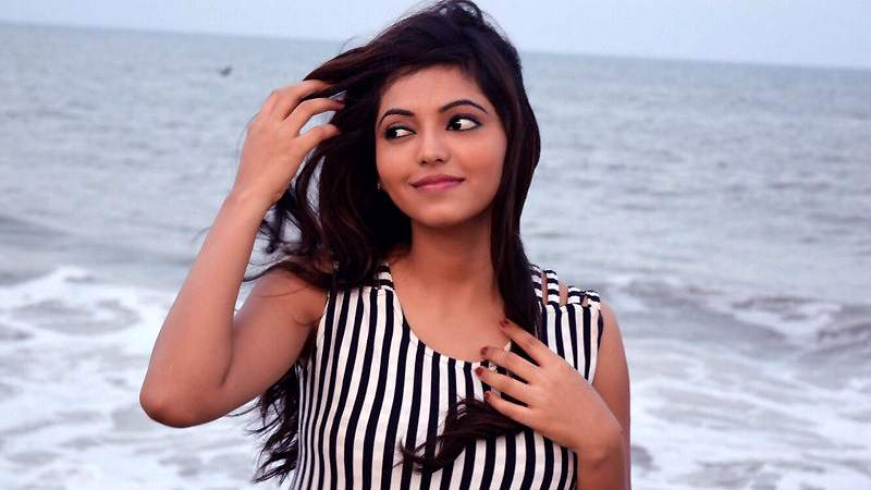 Actress-Athulya-Ravi