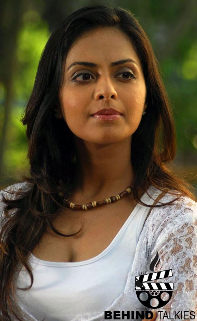 Actress-richa-pallod