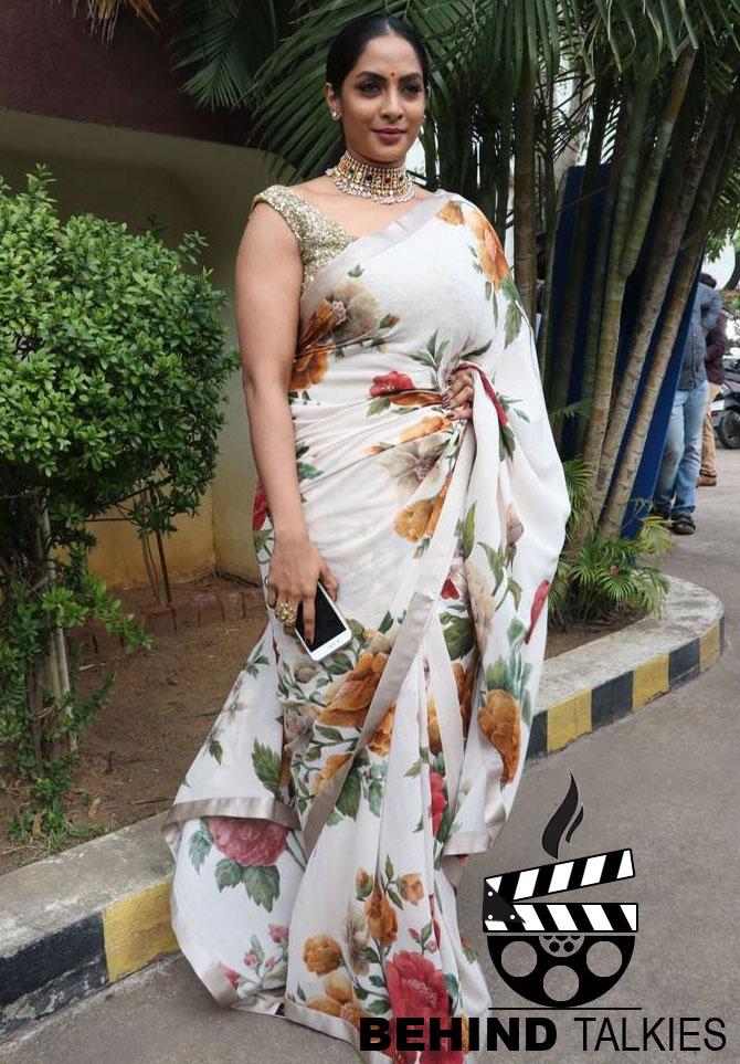 Actress-sriya-reddy