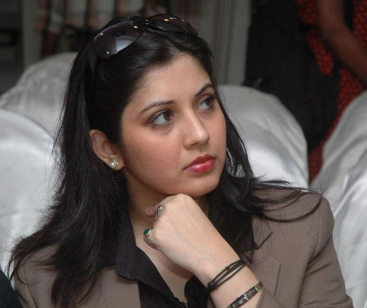 Actress-vijayalakshmi