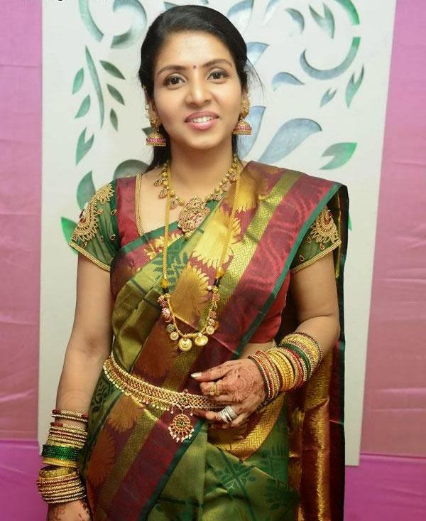 Anchor-priyadharshini
