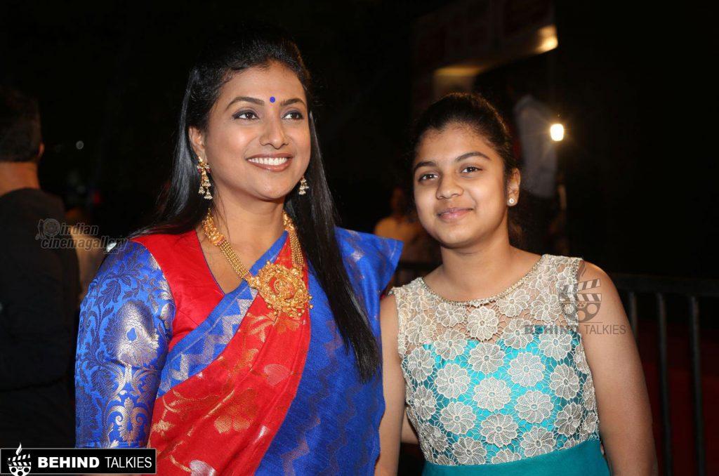Roja-with-daughter-Anshu-Mallika