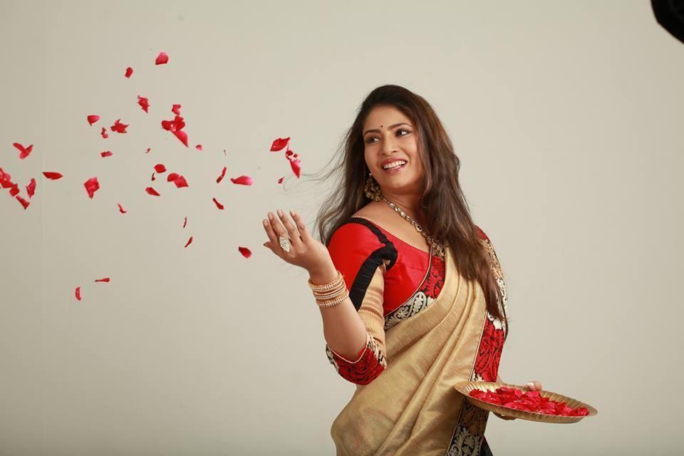 actress sangavi