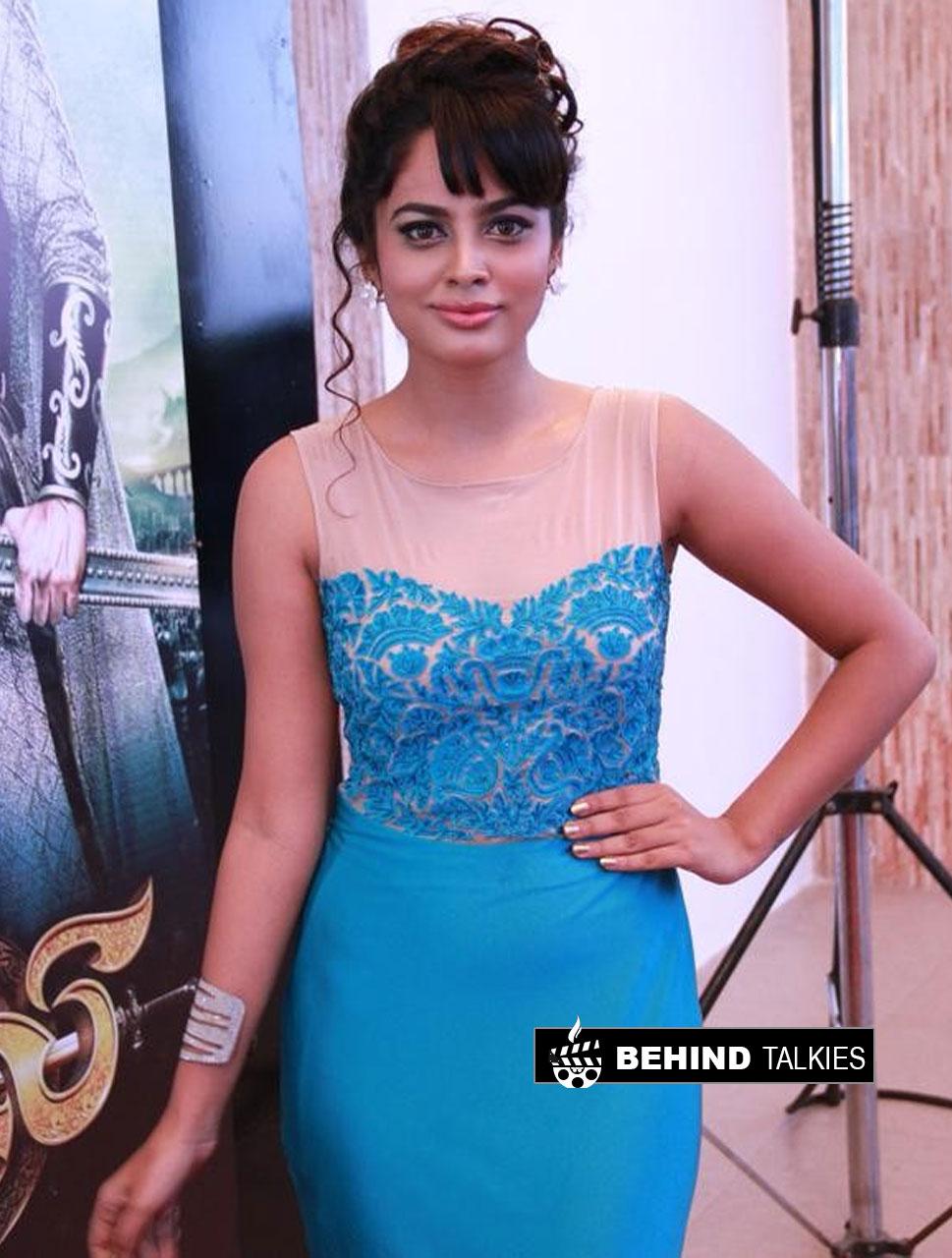 Actress-nanditha