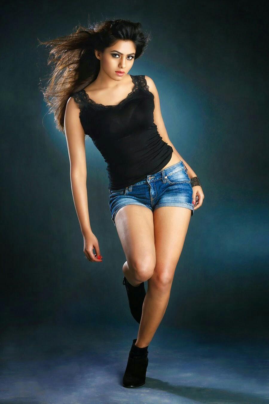 actress deepa sannidhi