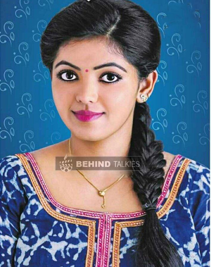 Actress-Athulya-Ravi