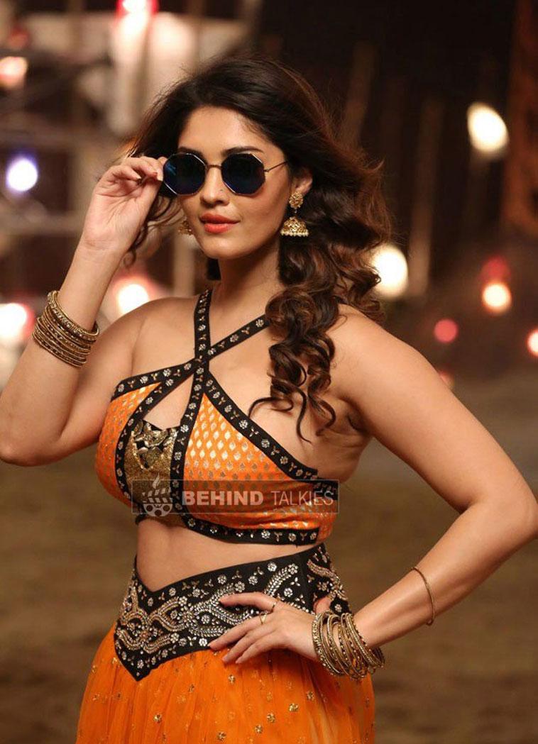 Actress-surabhi