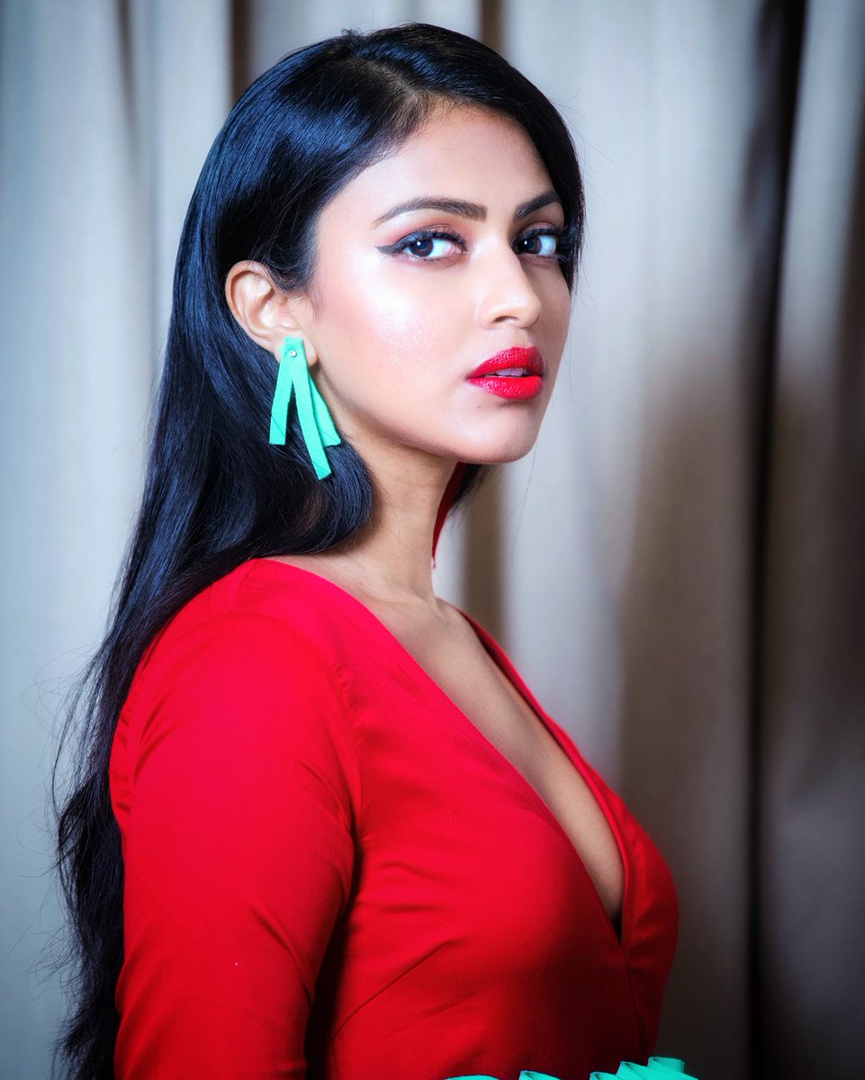 actress amalapaul