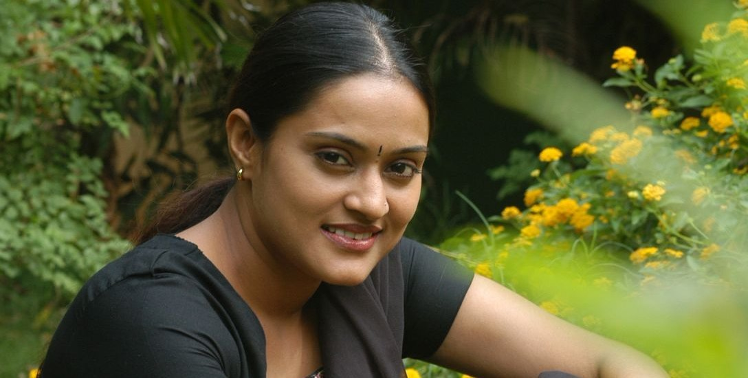 vinithini actress