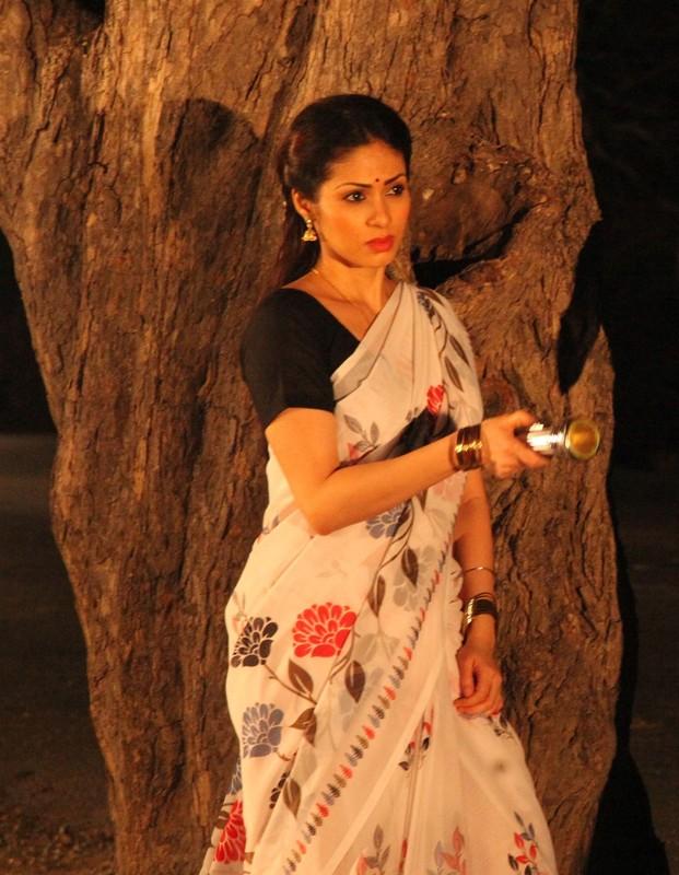 Actress sadha